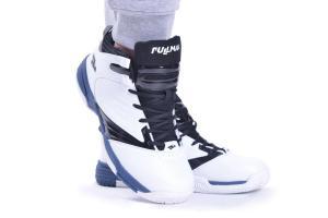 Продуктова фотография на спортни обувки от професионален фотограф град Варна.